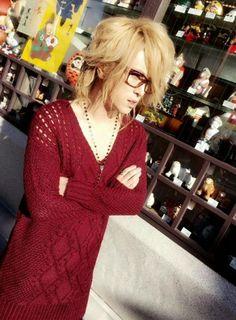 Kamijo with glasses~