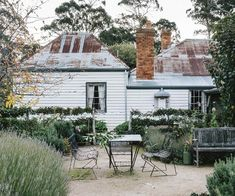 Old farmhouse restoration in central Victoria Victorian Farmhouse, Country Farmhouse, Victorian Gothic, Gothic Lolita, Modern Farmhouse, Architecture Design, Historic Architecture, Australian Architecture, Patio