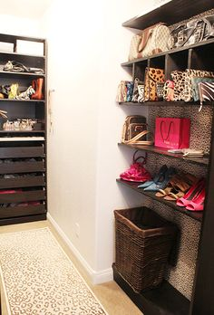 Gorgeous closet with cheetah print wallpaper and espresso shelves. Girly and cool walk in closet with cheetah wallpaper and espresso shelves. Glam Closet, Closet Vanity, Walk In Closet, Marilyn's Closet, Corner Closet, Closet Redo, Closet Doors, Master Closet, Closet Bedroom