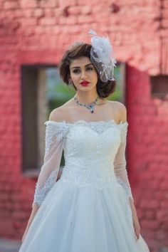 They say weddings are made in heaven and are executed on earth. Wedding is a ceremony that not just unifies two people, but it unifies two souls. Looking special on your special day is what all the brides and grooms need.