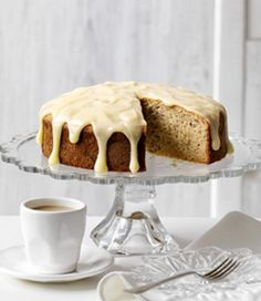 Banana Sour Cream Cake in season recipe, on MiNDFOOD.