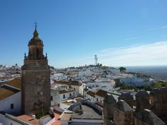 Situated just 30 minutes to the east of Seville, and on the way to both Cordoba and Granada, the walled-in town of Carmona makes for a perfect Andalusian road-trip pitstop.