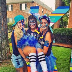 Kappa Kappa Gamma at Louisiana State University #KappaKappaGamma #KKG #Kappa #BidDay #tutu #sorority #LSU Football Face Paint, Spirit Day Ideas, School Spirit Days, Old Lady Costume, Homecoming Spirit Week, Football Spirit, Color Wars, Crazy Hat Day, Dress Up Day