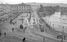Murcia, 1920 (Ca.). Vista del Paseo de la Glorieta y Ayuntamiento Murcia, en ABCfoto The Past, Manga, Travel, Texts, Wanderlust, Old Photography, 19th Century, Walks, Antique Photos