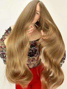 PHOTO SET - Suzana black and red photoshoot - RealRapunzels Long Hair Play, Long Curly Hair, Big Hair, Beautiful Long Hair, Gorgeous Hair, Long Hair Models, Rapunzel Hair, Extreme Hair, Natural Hair Styles