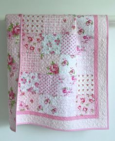 Best 11 Baby quilt tutorial – perfect for using charm squares. Learn a new quilting skill – how to sew together patchwork squares on – SkillOfKing. Quilt Baby, Baby Quilt Patterns, Baby Girl Quilts, Girls Quilts, Rag Quilt, Quilting Patterns, Quilts For Babies, Modern Baby Quilts, Baby Patchwork Quilt