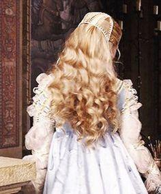lucrezia borgia..Gabriella Pescucci,costume designer.