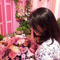 Outubro terminando ... Continue cuidando da saúde, física, mental e espiritual. Por que a vida pode ser cor de rosa! Bom dia!  #frescurasdatati #bomdia #vidadorderosa #corderosa #rosas #holambra #sp #écorderosa #cuidedasaude #saude #vida