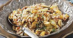 Maroni-Risotto mit Salbei und Speck ist ein Rezept mit frischen Zutaten aus der Kategorie Kräuter. Probieren Sie dieses und weitere Rezepte von EAT SMARTER! Risotto, Eat Smarter, Paella, Pasta Salad, Italian Recipes, Bakery, Food And Drink, Veggies, Rice