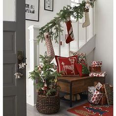 Bring in the cozy & comfy vibe in your holiday home decor. Here are the best Farmhouse Christmas decorations, which are country style Rustic Christmas decor Christmas Love, Country Christmas, All Things Christmas, Winter Christmas, Christmas Trees, Living Room For Christmas, Beautiful Christmas, Porch Christmas Lights, Merry Christmas