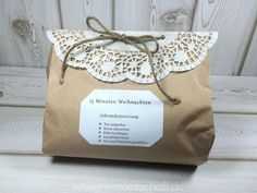 15 minutes of Christmas in the bag- 15 Minuten Weihnachten in der Tüte manual-christmas-in-the-tuete - Presents For Kids, Diy Presents, Diy Gifts, Christmas Time, Christmas Crafts, Christmas Decorations, Xmas, Christmas Ornaments, Diy Hanging Shelves