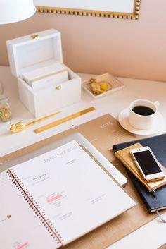 20 best cute desk decor images desk office home cubicles rh pinterest com