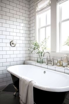 Trendy Bathroom Tub With Tile Joanna Gaines Ideas Clawfoot Tub Bathroom, Bathroom Renos, Bathroom Interior, Bathroom Ideas, Peach Bathroom, Silver Bathroom, Bathroom Black, Bathroom Renovations, Bathroom Fixer Upper