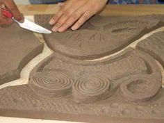 El arte de la cerámica mural se imparte en la Fundación