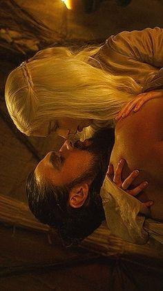 Khal Drogo and Daenerys Targaryen / Jason Momoa and Emilia Clarke / Game of Thronest♥♥