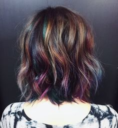 Oil slick hair color by @hairbykotay