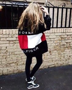 Isnt this outfit just adorable? The oversized Tommy Hilfiger sweatshirt and black leggings, pair perfectly with the black Hi Top Vans! For more Chic Fashion, check out the STYLE. board from Katelyn Adair! Women's Dresses - Dress for Women - http://amzn.to/2j7a1wP