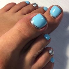 Nail designs for toes: what can be cuter? Today there is a huge number of adorable toe nail designs, and every fashionista can find the ideal design to her taste and for any occasion. Blue Toe Nails, Pretty Toe Nails, Toe Nail Color, Summer Toe Nails, Toe Nail Art, Nail Colors, Blue Toes, Beach Toe Nails, Pretty Pedicures