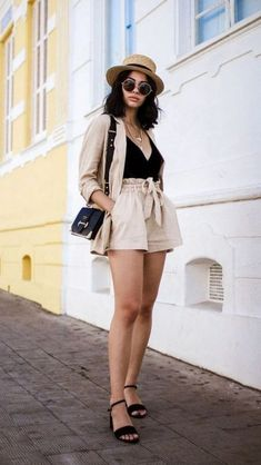 Classy shorts outfits, two piece outfits shorts, blazer outfits casual, bou Classy Shorts Outfits, Two Piece Outfits Shorts, Classy Summer Outfits, Blazer Outfits Casual, Summer Shorts Outfits, Summer Fashion Outfits, Summer Outfits Women, Short Outfits, Trendy Outfits