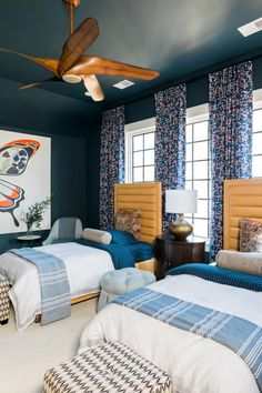Looking for Blue Bedroom and Teen Bedroom ideas? Browse Blue Bedroom and Teen Bedroom images for decor, layout, furniture, and storage inspiration from HGTV. Decor, Trendy Bedroom, Farm House Living Room, Living Room Designs, Bedroom Decor, Home Decor, Cool Rooms, Room Design, Bedroom Colors