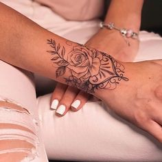 Arm Tattoo Great Ideas Cuff tattoo, wrist tattoos for women, tat . - Arm Tattoo Great Ideas Cuff Tattoo, Wrist Tattoos For Women, Tattoo Bracelet – Arm Tattoo Big Ide - New Tattoos, Body Art Tattoos, Small Tattoos, Sleeve Tattoos, Cool Tattoos, Tatoos, Girl Stomach Tattoos, Cute Foot Tattoos, Girly Tattoos