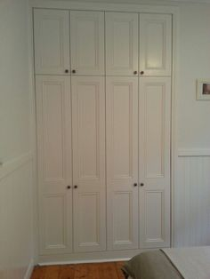 Guest Room - Built In Wardrobes