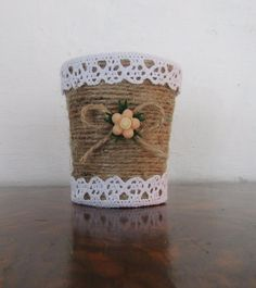 This Pin was discovered by Ayg Tin Can Crafts, Crafts To Make And Sell, Arts And Crafts, Burlap Crafts, Yarn Crafts, Paper Crafts, Mason Jar Crafts, Bottle Crafts, Tin Can Art