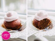 Valentines Day Cupcake from   www.facebook.com/kellysbakeshoppe  www.alyssawodabek.com