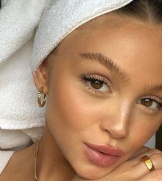 Beauty And Beauty, Beauty Skin, Beauty Makeup, Natiral Makeup, Dewy Skin Makeup, Glowy Skin, Flawless Skin, Beauty Style, Insta Makeup