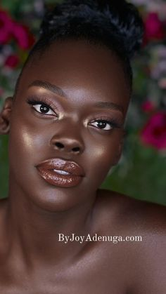 Natural Makeup For Brown Eyes, Dark Skin Makeup, Dark Skin Beauty, Natural Makeup Looks, Black Beauty, Simple Wedding Makeup, Beautiful Dark Skinned Women, Most Beautiful Black Women, Dark Complexion