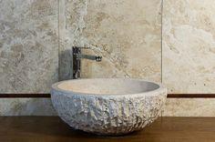 Lavabo in pietra per il bagno #pietredirapolano #travertino #lavabi #lavandini #pietranaturale