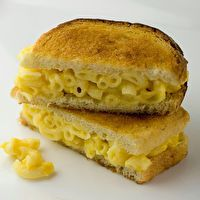 Grilled Macaroni and Cheese Sandwiches by Framed Cooks