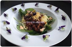 Tagliatelle with beef, spinach and aloili! https://www.facebook.com/crea.sushiworkshops https://twitter.com/CreaSushi