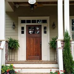 Bungalow Door Design, Pictures, Remodel, Decor and Ideas Craftsman Front Doors, Exterior Design, House Exterior, Craftsman Bungalows, Country Front Door, House Colors, Craftsman House, Craftsman Exterior, Craftsman Door