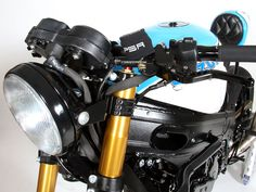 When the fairings were removed the Suzuki TL1000R wiring harness was an unsightly mess