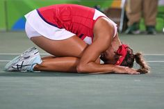 Puerto Rico's Monica Puig reacts after winning her women's singles final tennis… Monica Puig, Gymnastics Poses, Gymnastics Girls, Tennis Match, Le Tennis, Rio Olympics 2016, Summer Olympics, Puerto Rico, Tennis Photography