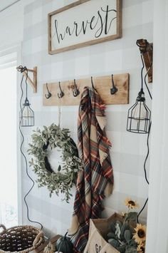 Welcome Fall – My Fall Entryway – Uniquely Taylor Made Farmhouse Bedroom Decor, Farmhouse Style Kitchen, Modern Farmhouse Kitchens, Modern Farmhouse Decor, Farmhouse Ideas, Fall Home Decor, Autumn Home, Unique Home Decor, Fall Entryway Decor