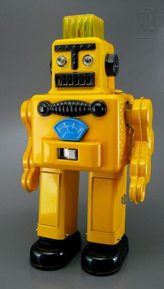 Yellow Planetary Robot Toy | Vintage and Retro Space Age Raygun, Rocket and Robot Toys | Sugary.Sweet | #SpaceAge #Toy #Robot #SciFi