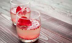 Rosenblüten-Sekt / Bild: Shutterstock