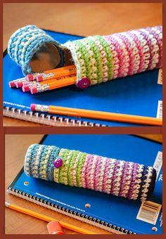 Pencil case - Estuche con tubos de cartón forrados.