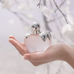 NINA L'EAU BY NINA RICCI: Discover the freshness of this fruity, floral fragrance, full of softness and femininity.