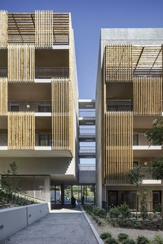 Comte Vollenweider, Aldo Amoretti · Gallienice 138 logements et commerces Architecture Résidentielle, Classical Architecture, Contemporary Architecture, Social Housing Architecture, Wooden Facade, Building Facade, Facade Design, Facades, Dress Models
