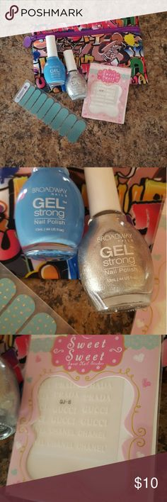 Graffiti Ipsy Bag with Jamberry Nails Gel Polish Graffiti Ipsy bag with 2 gel polishes, a half sheet of Jamberry wraps and designer name nail decals.  All new ispy Makeup