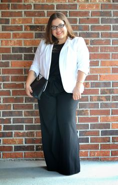 curvy and petite style, fashion, work style, professional, business casual, wide leg trousers, lace top, crop top, eloquii, The Limited, petite plus, plus size style