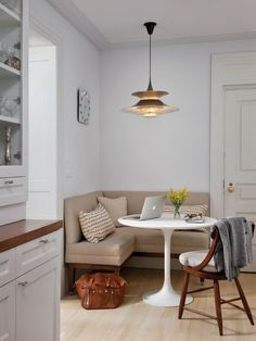 Booth Seating In Kitchen, Kitchen Booths, Corner Bench Seating, Banquette Seating In Kitchen, Kitchen Benches, Floor Seating, Sofa In Kitchen, Dining Sofa, Kitchen Interior