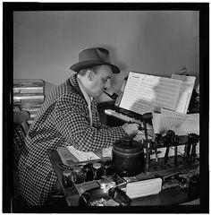 William Gottlieb - Portrait of Brick Fleagle in his home, New York, N.Y. (1946-48)