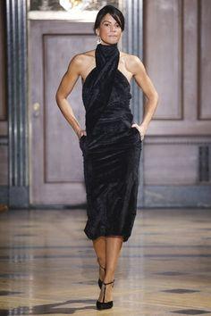 Sophie Theallet Fall 2016 Ready-to-Wear Fashion Show Sophie Theallet Fall 2016 Ready-to-Wear Collection - Vogue Mode 90s Fashion, Runway Fashion, High Fashion, Fashion Show, Fashion Spring, Fashion History, Fashion Fashion, Fashion Models, Trump Models