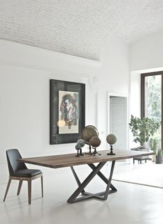 31 Of The Most Brilliant Modern Dining Table Design Ideas - Best Home Ideas and Inspiration Modern Dinning Table, Dinning Table Design, Dining Room Table, Wood Table Design, Steel Table, Solid Wood Dining Table, Extendable Dining Table, Home Furniture, Modern Furniture