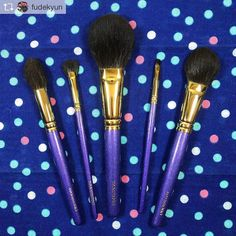 Repost from @fudekyun @TopRankRepost #TopRankRepost Mitsukoshi Ginza Purple Set  Thank you again @fudejapan   Post wash in first photo and second photo shows pre-wash   #fude #haul #hakuhodo #白鳳堂 #熊野筆 #fudejapan