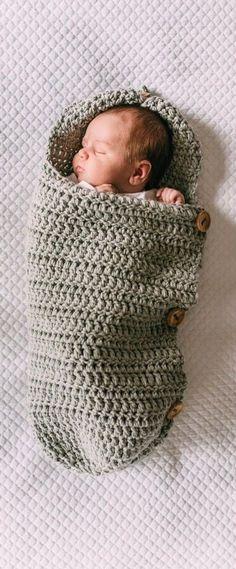 Sie Baby Kokon Cute Crochet Baby Cocoon Patterns With Your Baby Too. Sie Baby Kokon Cute Crochet Baby Cocoon Patterns With Your Baby Too Sweet - Page 20 of 26 - Baby Wear. Crochet Simple, Crochet Bebe, Crochet For Boys, Cute Crochet, Crochet Ideas, Beautiful Crochet, Crochet Baby Stuff, Unique Crochet, Crochet Flower